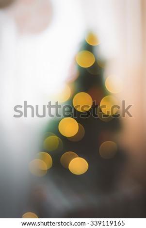 De focused christmas tree light in home/De focused christmas tree lights