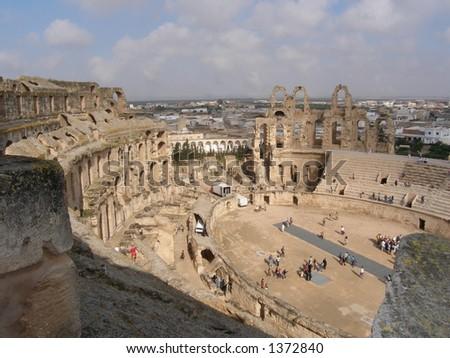 De World`s le plus grand amphitheatre romain troisièmement etle meilleur - relique romaine préservée en Afrique : EL-Jem - stock photo