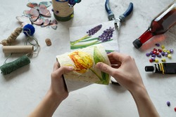 Decorating tin cans with decoupage napkins with using various decor elements. Do it yourself. Step by step. Step 8.  There is no waste. Other uses of packaging.