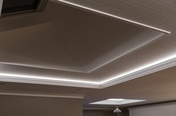 Decorative recessed ceiling with LED strip lighting (Secret Lighting)