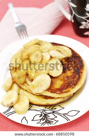 Delicious American pancakes with bananas