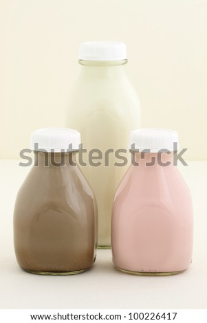 Delicious and fresh Strawberry, chocolate and regular milk bottles made with organic real fruit, chocolate mass and regular milk