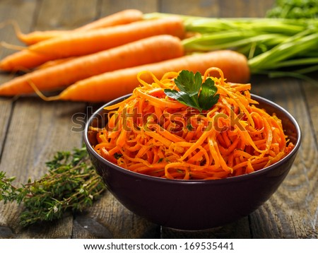 ... and spicy carrot spaghetti with ginger, garlic, chilli and lemon