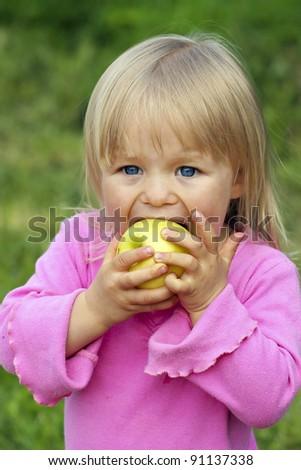 Delicious Apple.