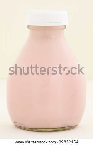 Delicious, nutritious and fresh Strawberry milk pint, made with organic real strawberry fruit