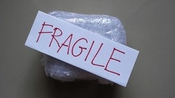Delivery of fragile goods in the package.