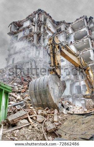 Demolition of an old block of flats.