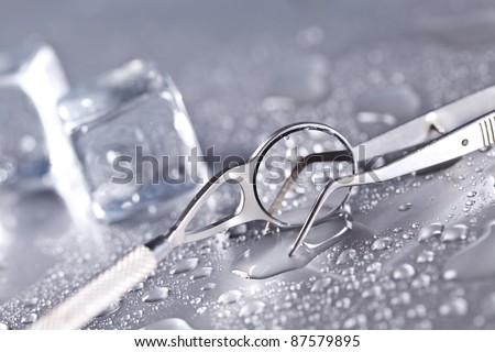 Dental equipment and water drops