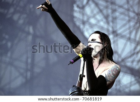 DENVER - JUNE 22: Performer Marilyn Manson entertains live in concert June 22, 2001 at Mile High Stadium in Denver, CO.