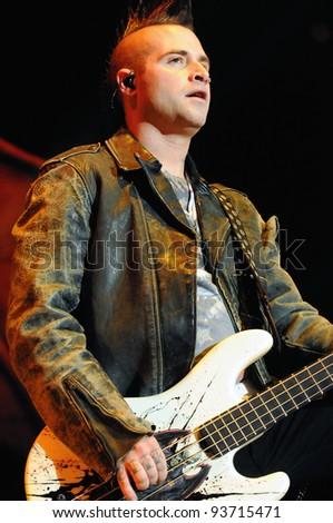 Denver October 05 Bassist Johnny Christ Of The Heavy