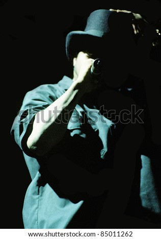 DENVER - OCTOBER 6:		Rapper Ice Cube performs in concert October 6, 1998 at McNichols Arena in Denver, CO.