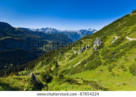 Descend the mountainside