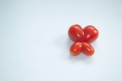 Design heart shape from organic cherry tomatoes contain the antioxidant lycopene and flavonoids it is Reduce inflammation of prostate cancer. Help with the circulatory system The skin healthy.