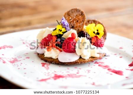 dessert gourmet cake
