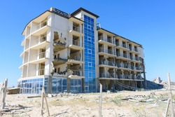 Destruction of a hotel complex recognized as illegal construction by a court decision