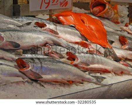 Detail fish market sockeye salmon pike place market for Pacific fish market