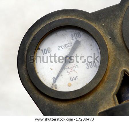 detail of oxygen meter bomb