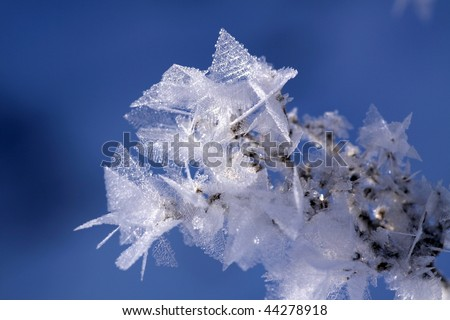 Details of ice crystals in the sun (Close-up) 2