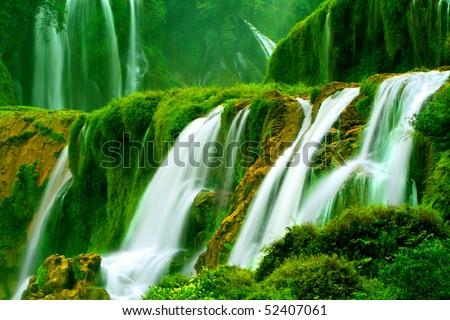 Detian Waterfall in Guangxi