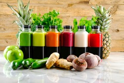 Detox juices prepared with fruits and vegetables