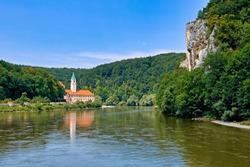Deutschland, Niederbayern, Donau, Kloster Weltenburg, nahe Kehlheim, Donaudurchbruch, Spaetbarock, Fluss, Sehenswuerdigkeit
