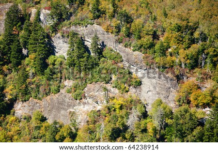 Devil's Courthouse overlook and colorful autumn trees