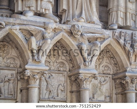 Devil statue on the western fa?ade of the Notre-Dame de Paris