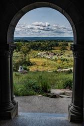 Devils Den thru the Castle Door, Little Round Top, Gettysburg National Military Park, Pennsylvania, USA