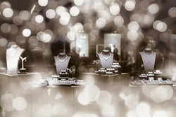 Diamond jewelry shop boutique window display