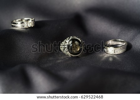 Diamond Ring Display With Satin Cloth Diamond Ring Ez Canvas