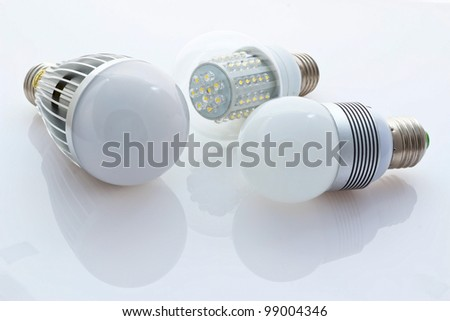 different types of LED bulbs E27, 80mW older chips and new chips 1W