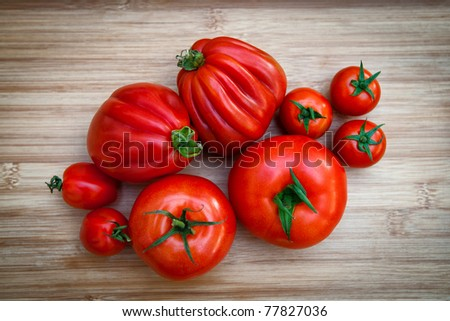 Different varieties of tomatoes