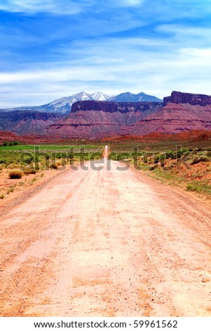 Dirt Road to Mountains