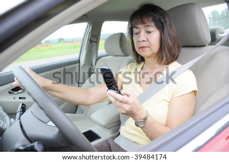Distracted woman driver