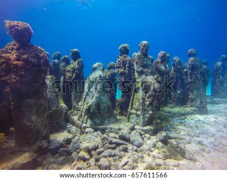 diving in the ocean. underwater #657611566