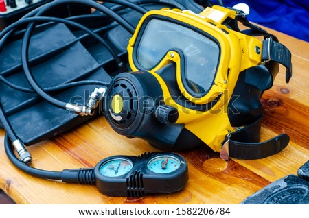 Diving mask with diving regulator #1582206784