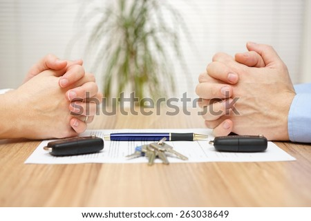 Divorce agreement. Wife and husband can not make settlement #263038649