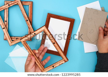 DIY. How to make a winter window with frosty patterns from photo frames and magnesium sulfate powder. Winter holiday decoration for Christmas. Guide, step by step.