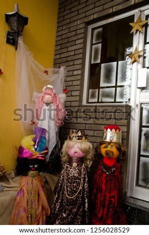 Dolls representing the nativity scene (the Magi and one angel). Schamann. Las Palmas de Gran Canaria. Gran Canaria. Spain. #1256028529
