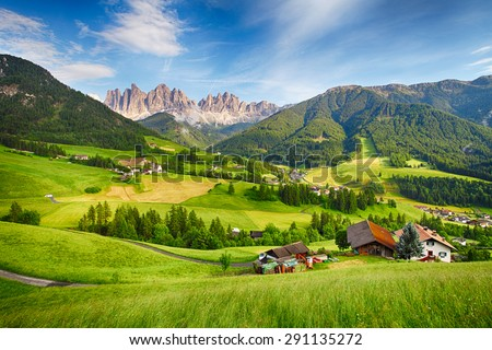 Shutterstock Dolomites alps, Mountain - Val di Funes