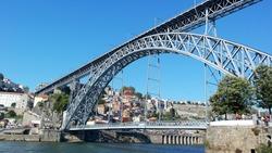 Dom Luiz bridge, Porto, Portugal