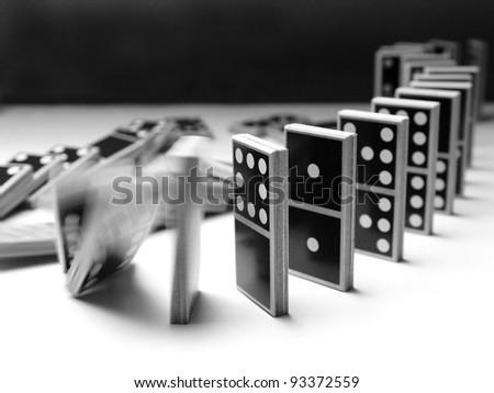 Domino (5) - falling dominoes