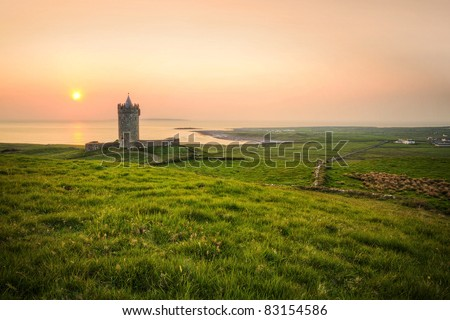 Doonagore castle at sunset - Ireland