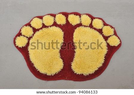 Door Mat With Footprints Design
