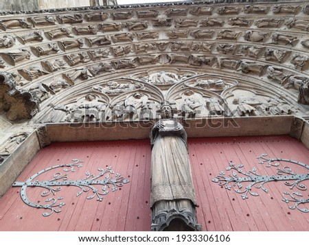 Door to the oldest gothic cathedral in Sens, France Zdjęcia stock ©