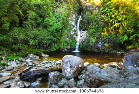 Dorothy Falls, near Lake Kaniere and Hokitika, on New Zealand's south island.