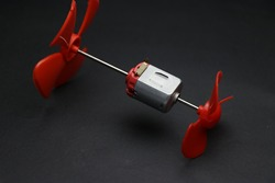 double rotor or dual rotor dc motor with propellers on it shafts for various kids experiments