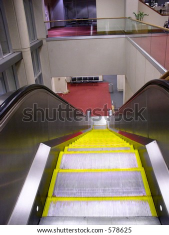 Down escalator in airport