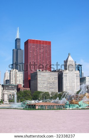 Downtown Chicago and Buckingham Fountain