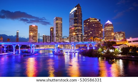 Downtown Tampa, Florida Skyline at night, building logos blurred for commercial use Foto stock ©